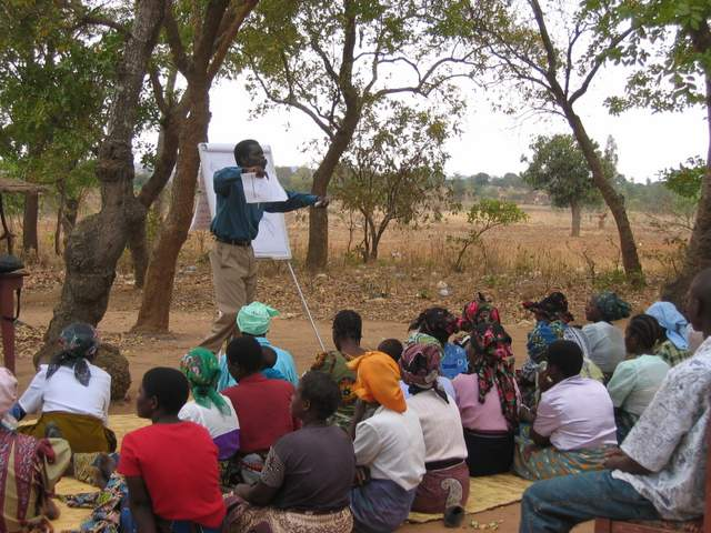 Livelihood_training_for_farmers_at_Chakwawa_prayer_house-001