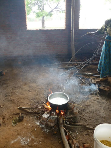 Traditional cooker